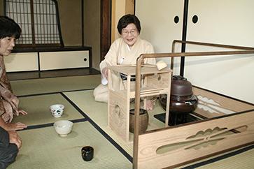 お道具組について話される埼玉支部長・塚田宗静様